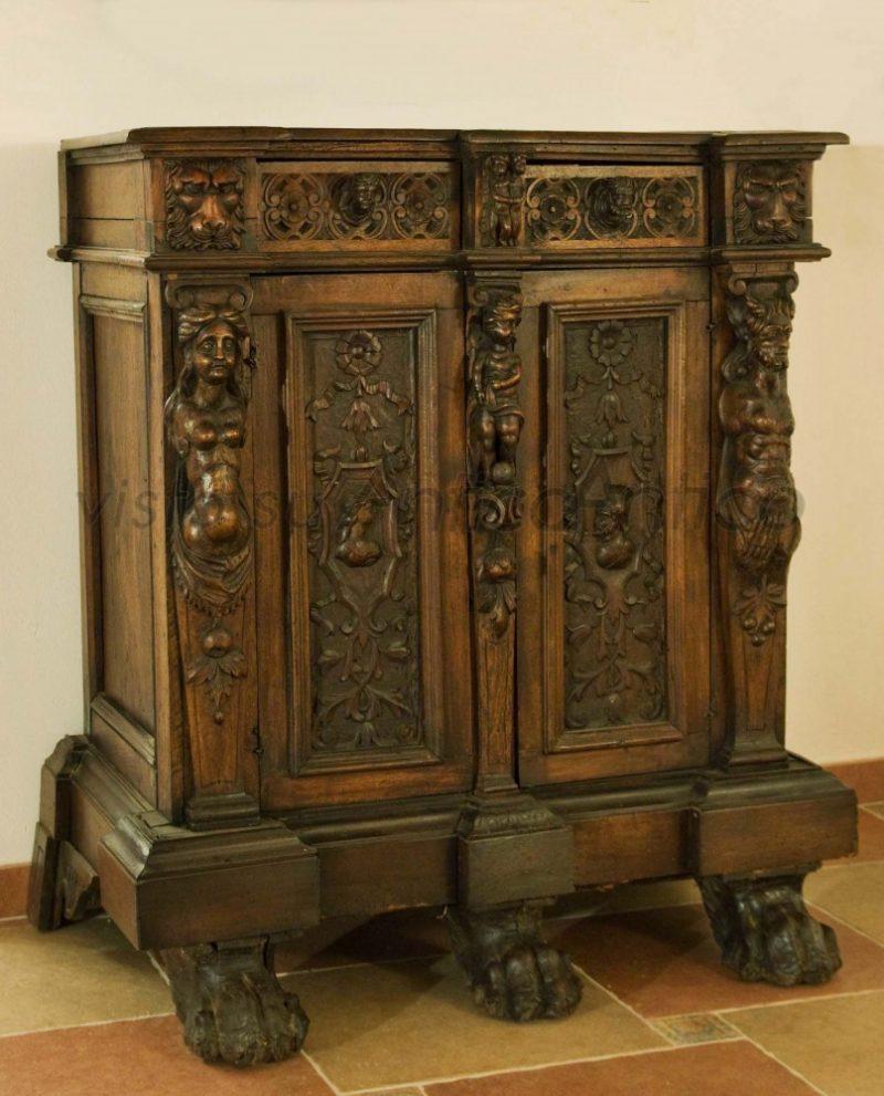 Valutazione mobili antiquares for Mobili medievali