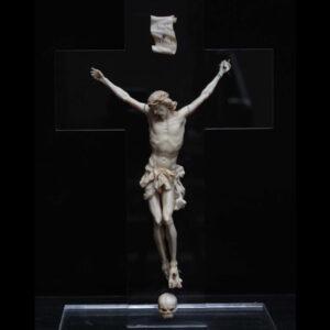 straordinario-cristo-in-avorio-di-fine-600