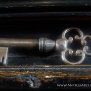 Antiquares-Cassettone-Romano-29