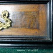 Antiquares-Cassettone-Romano-33