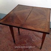 Antiquares-Tavolini-Luigi-XVI-39